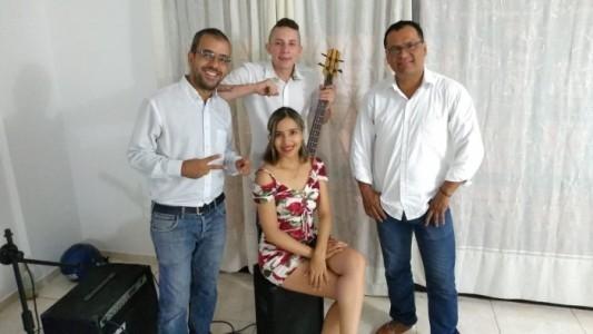 Duo trio or Latin band  - Multi-Instrumentalist