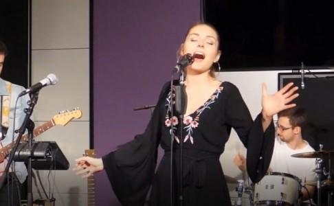 Adrianna Hebisz - Female Singer