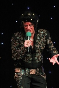 Elberace : Gay Elvis - Elvis Impersonator