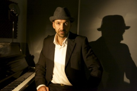 David Jonathan - Pianist / Singer