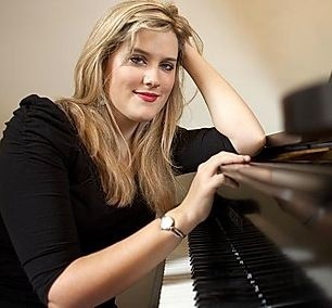 Pippa Cleary - Pianist / Singer
