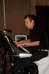 Lalopiano - Pianist / Keyboardist