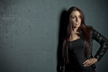 Laura May - Female Singer