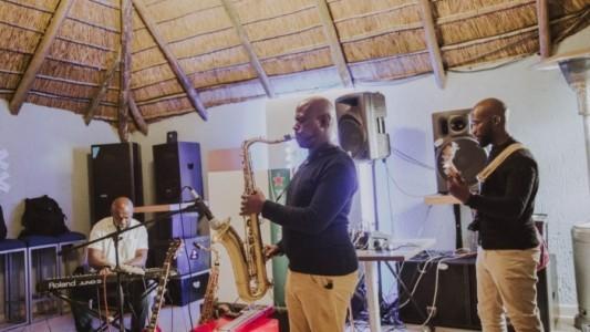 Emmanuel Kgoadi - Saxophonist