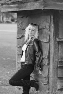 Jo Zinone - Female Singer