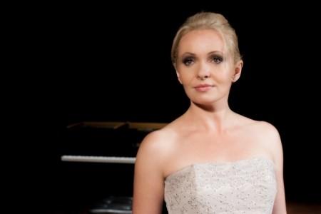 Barbara Karaskiewicz - Pianist / Keyboardist