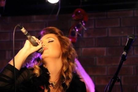 Hila Assor - Female Singer