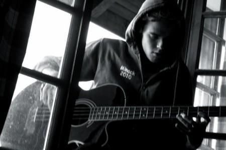 Mitch Lapute - Bass Guitarist