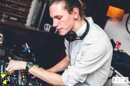 FREESTYLE - Nightclub DJ