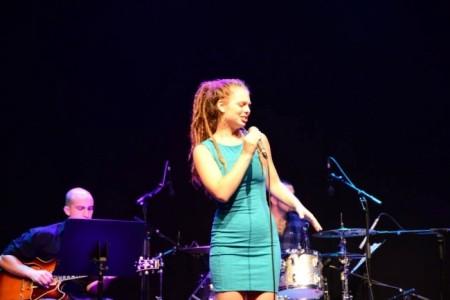 Sivan Arbel - Female Singer