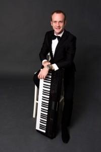Andrey Chernov - Pianist / Keyboardist
