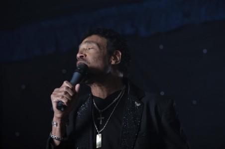 Hamilton Browne as Lionel Richie - Michael Buble Tribute Act