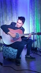 Rhythm & Soul - Guitar Singer