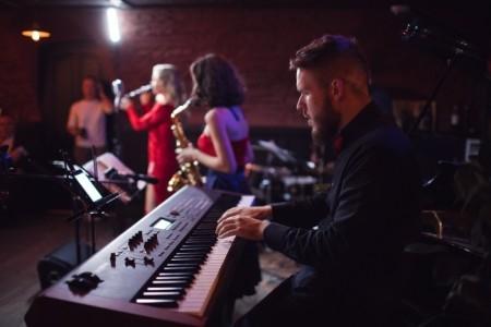 LightUp - Jazz Band