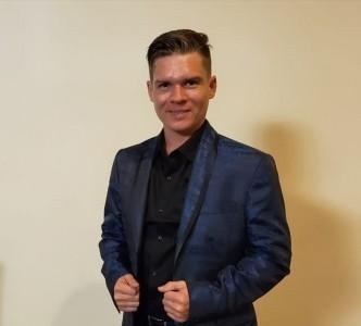 Ernesto Posse - Cabaret Magician