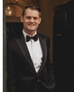 Ross Leadbeater's Piano Legends - Pianist / Singer