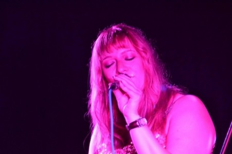 Anne Live! singer with passion - Female Singer