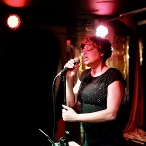 Lili RHOSE - Female Singer