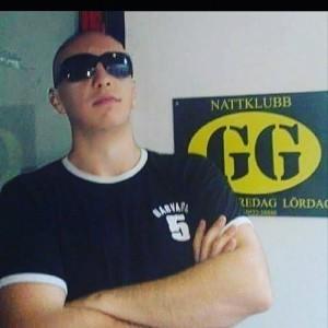 Tom Black - Nightclub DJ