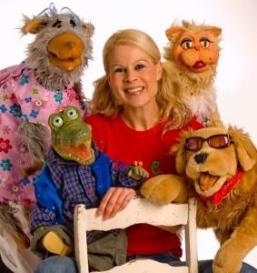 Lindi Jane - Singer - Ventriloquist - Comedian - Ventriloquist
