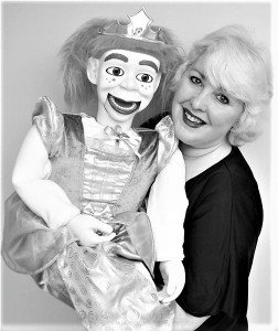 Mad Miss Merlynda - Ventriloquist - Mix and Mingle - Street Ventriloquist - Marionette Act - Punch and Judy Puppet Shows - Puppeteer