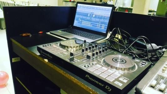 Zoombull - Nightclub DJ