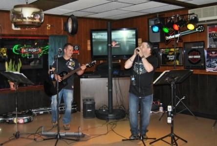 Matt Scarlino & Tony Voce  (Outta the Red) - Duo