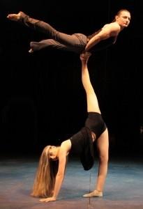 Straps-Contortion, hulla-hoop juggler, duo and solo silk act, adagio - Aerialist / Acrobat