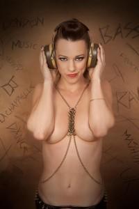 Cat La Chappelle - Nightclub DJ