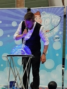 The Lovely Bubbly Show - Bubble Performer