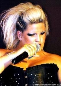 Corrin Casini - Female Singer
