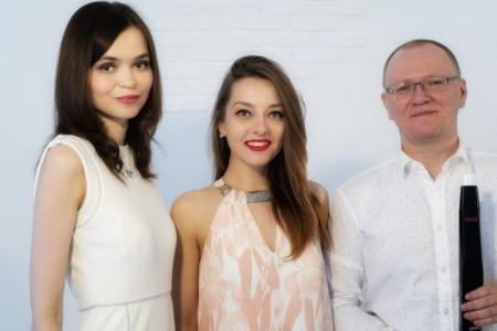 Emotions Trio - Female Singer