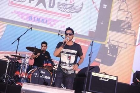 Rahul Mukherjee - Guitar Singer
