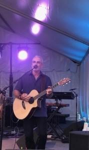 Ross A mcginnes - Guitar Singer