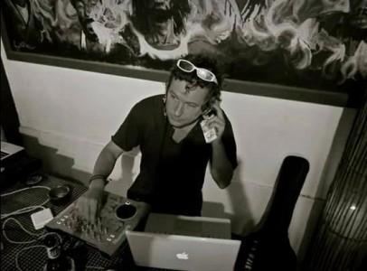 Van Helmsing - Nightclub DJ