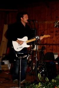 Nick Lewis - Electric Guitarist