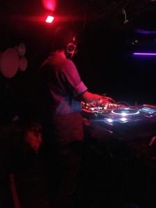 DYVIR5E - Nightclub DJ