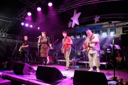 Ruby & the Roughcuts - Rock & Roll Band