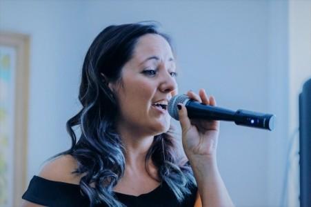 Lizzie Hales - Female Singer