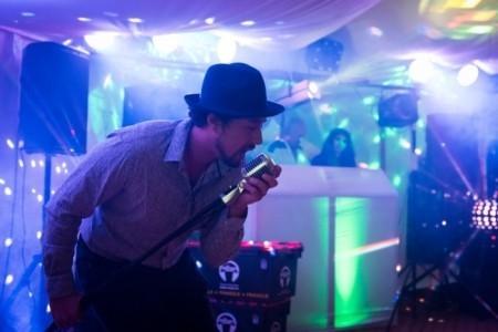 Metz Jnr  - Male Singer