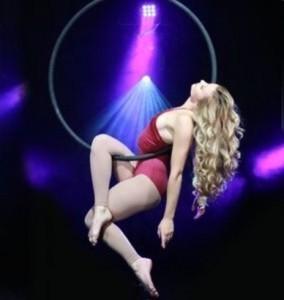 Kate Ashman - Aerialist / Acrobat